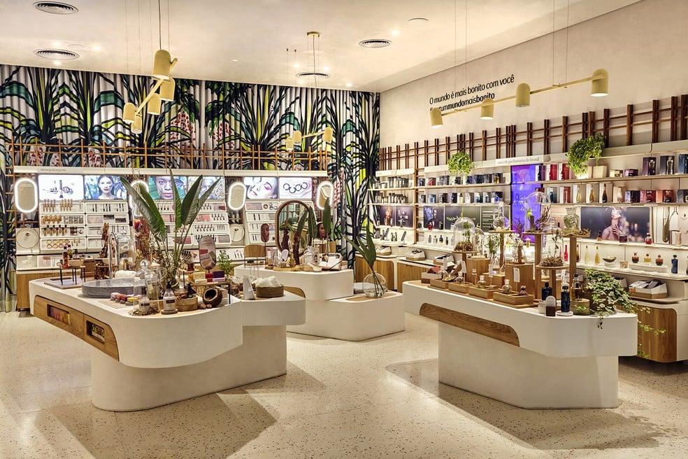 Natura compra operação da Avon e será a 4ª maior do mundo