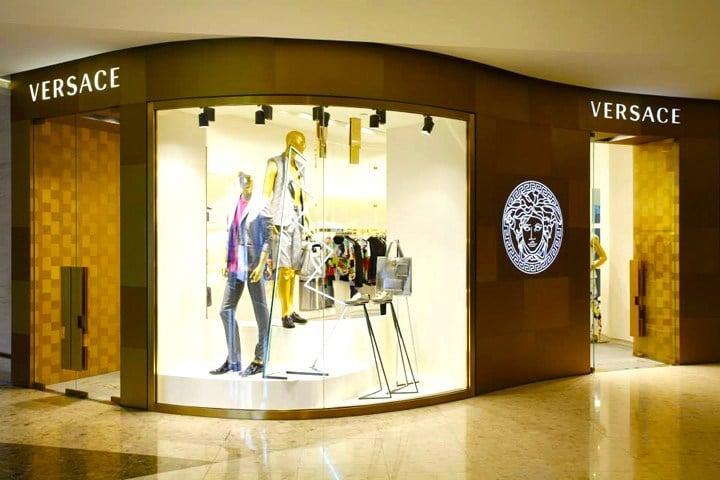 Grife italiana Versace encerra atividades no Brasil